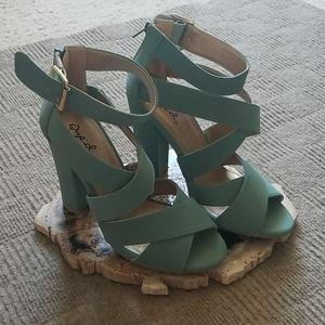 Qupid Chunky heel sandles